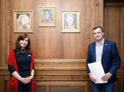 De rival a fotos con CFK y a ser