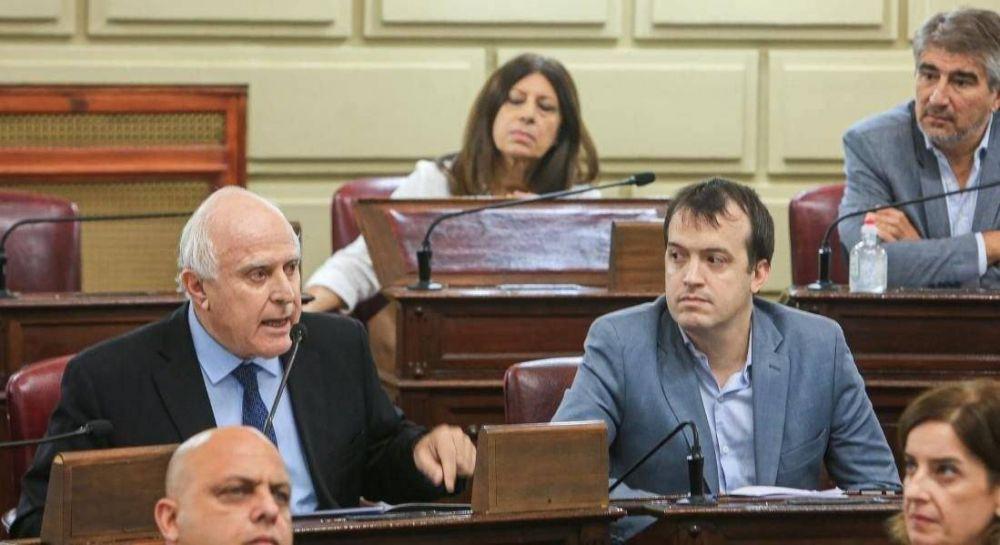"""El socialismo presentó su Plan Vicentin, con """"silla de oro"""" para Santa Fe"""