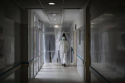 Provincia vuelve a advertir: hay que tomar decisiones ya para que no colapse el sistema sanitario