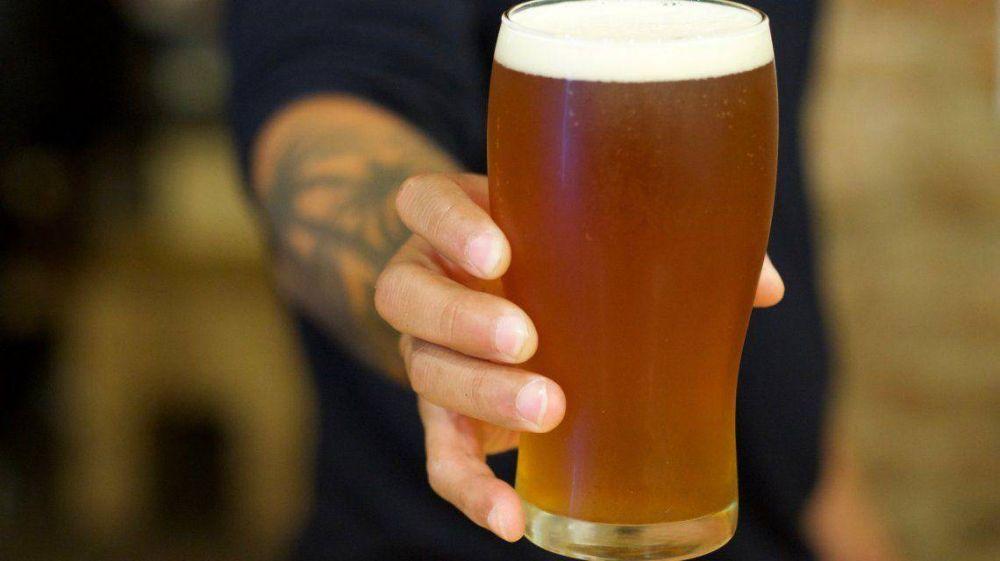 De la pinta a la góndola por el coronavirus: la cerveza artesanal se reconvierte para llegar a los supermercados