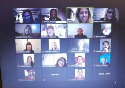 Pro Mujeres con capacitaciones sobre redes y comercio electronico