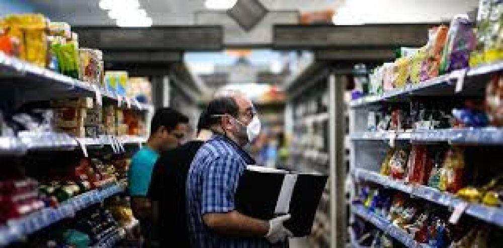 Sin cobertura de los medios, ya son más de 400 los trabajadores de supermercados contagiados de Covid-19