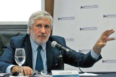 El fiscal de Lomas denunció a Conte Grand por una unidad especial para armar causas