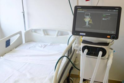 Fernando Gray recibió ocho respiradores para el Hospital Municipal Santamarina