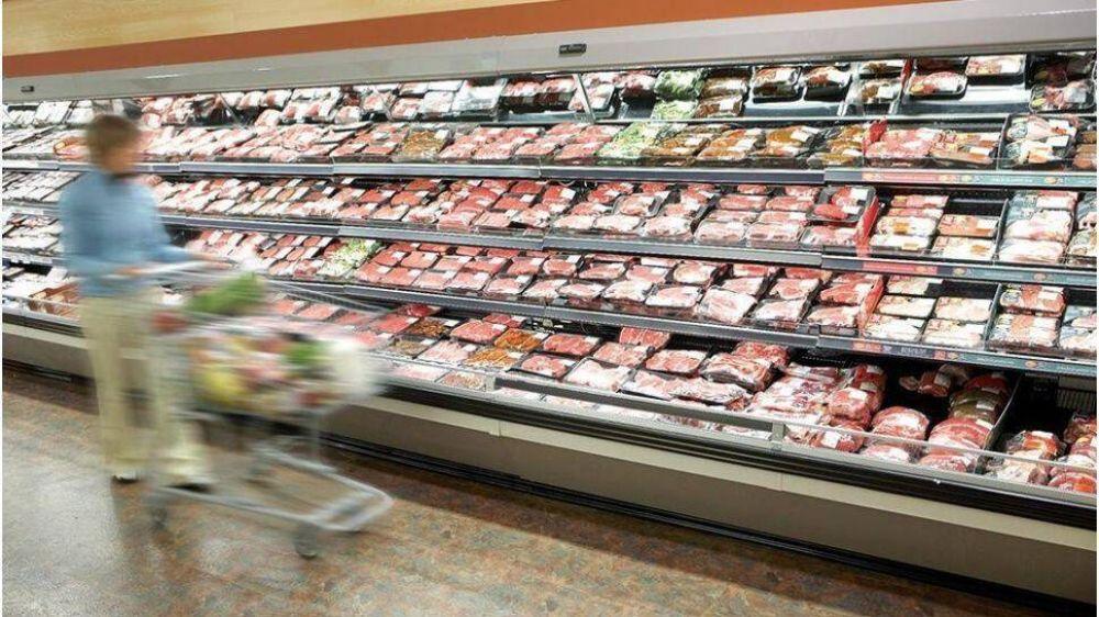 Hipermercados acusan a las alimenticias por limitar la entrega de productos