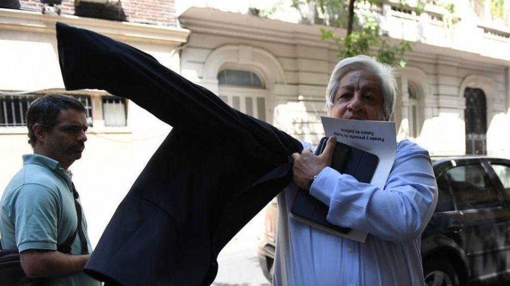 El pago del aguinaldo en cuotas provoca el primer choque fuerte de Alberto con los gremios