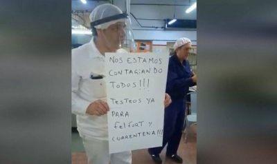 """Paro de los trabajadores de Felfort: """"Nos mandan al matadero por bombones"""""""