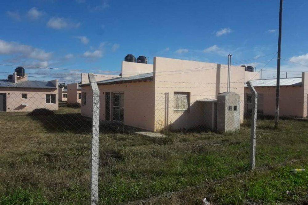Vecinos del barrio La Perla piden que se concluya la obra hidráulica con la que se podría entregar casas otros 440 adjudicatarios
