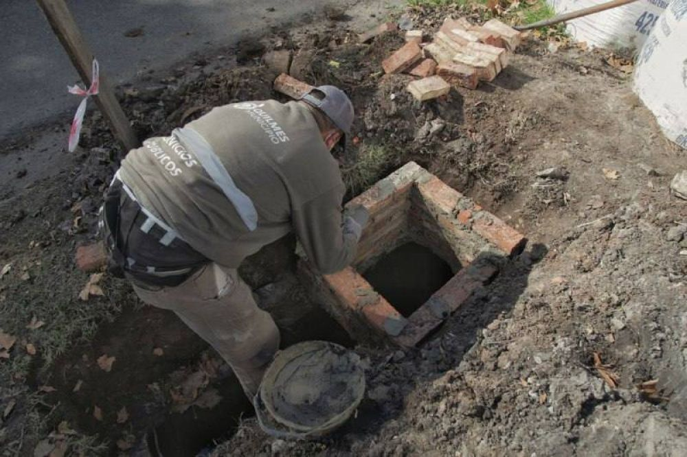 AySA y el municipio iniciarán las obras de la red primaria cloacal para el barrio Villa Itatí