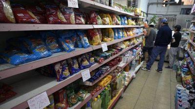 Estiman que la inflación reprimida por el congelamiento de precios y tarifas ya acumula 20 puntos porcentuales