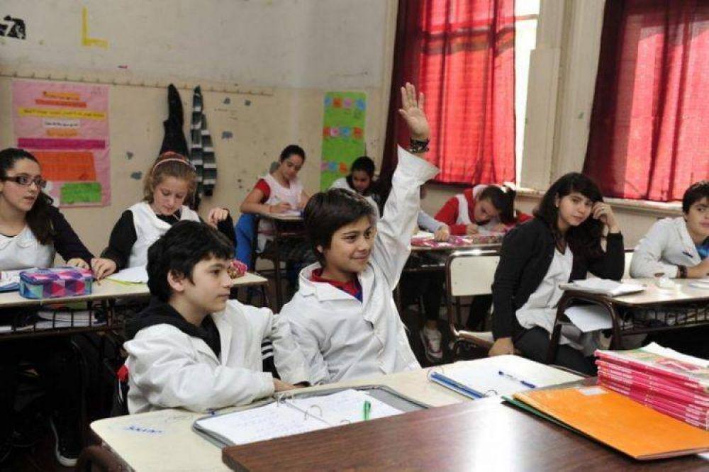 Los efectos de la crisis: 44% de las familias porteñas reducirá gastos en educación