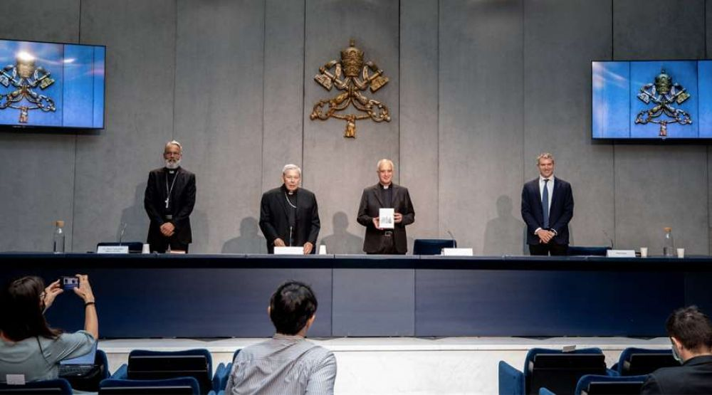 """Vaticano publica un nuevo """"Directorio para la Catequesis"""" para la nueva evangelización"""