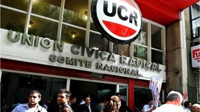 Un sector de la UCR pide el fin de la alianza con el PRO