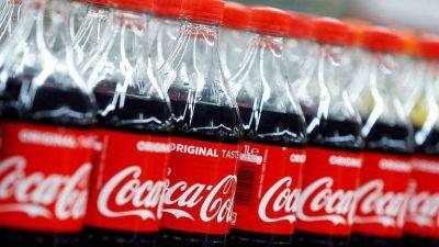 Coca Cola también retiró sus anuncios de Facebook y Twitter por su manejo de los mensajes de odio y la desinformación