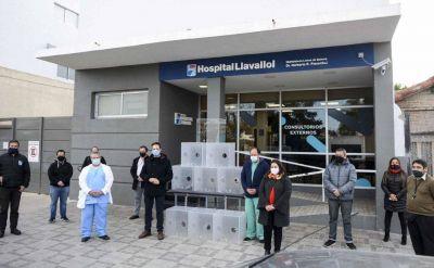 La Técnica N°4 de Lomas fabricó y donó cabinas aislantes para proteger a médicos y a enfermeros