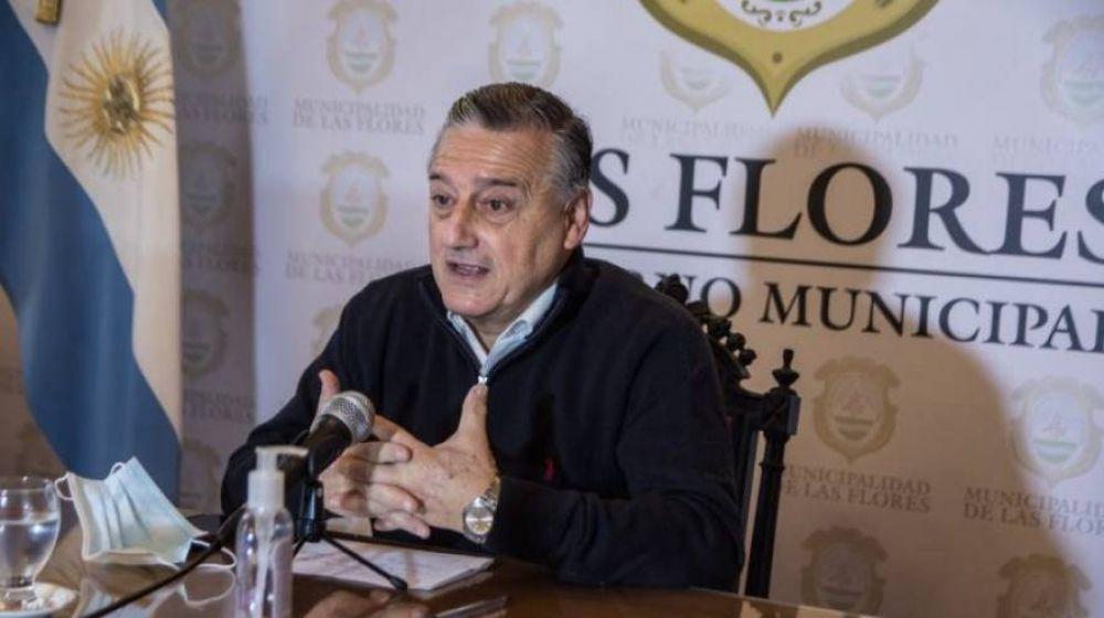 """Las Flores: el intendente abona sueldos a tiempo y aseguran que se """"generará una circulación de $35.000.000 en la ciudad"""""""