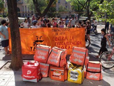 En la cuarentena ya murieron 6 repartidores y los trabajadores se pliegan hoy al tercer paro internacional de la actividad