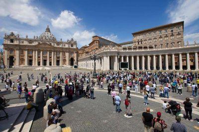 Corrupción en el Vaticano: fiscales allanan oficinas de la basílica San Pedro