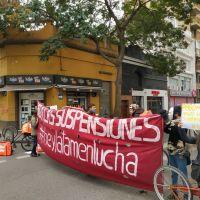 Trabajadores del call center Hey Latam se manifestaron contra las suspensiones y los retiros