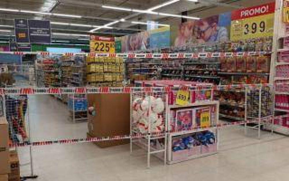 Tres de Febrero: Intendente acordó con supermercadistas cerrar góndolas de productos para proteger al comercio barrial