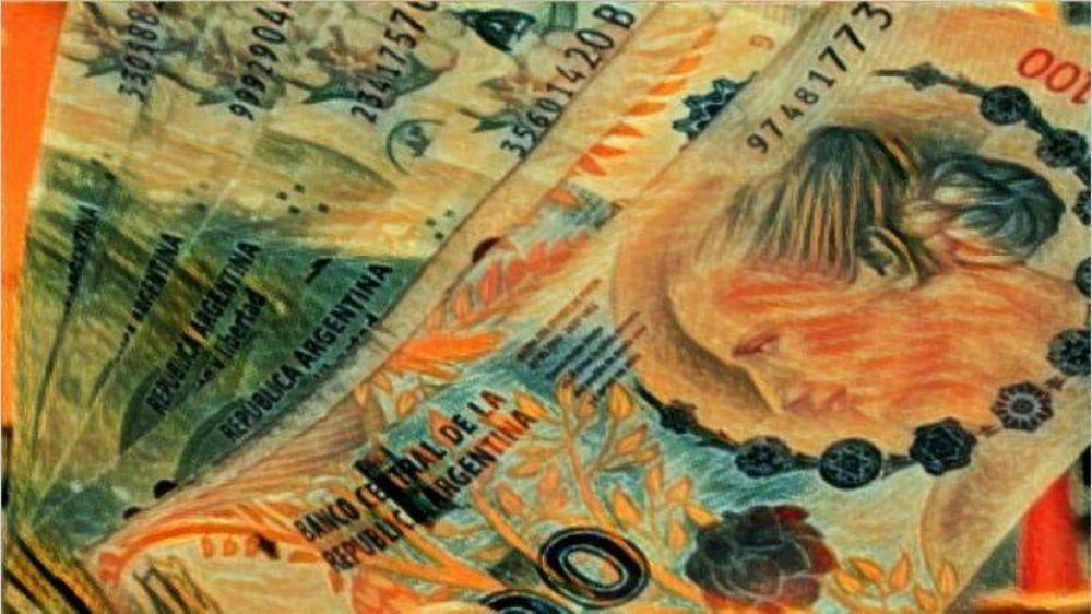 Megaemisión: el Gobierno busca herramientas para evitar que vaya a inflación y dólar
