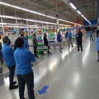 Confirmaron tres contagios más y ya son seis los trabajadores de Walmart con coronavirus