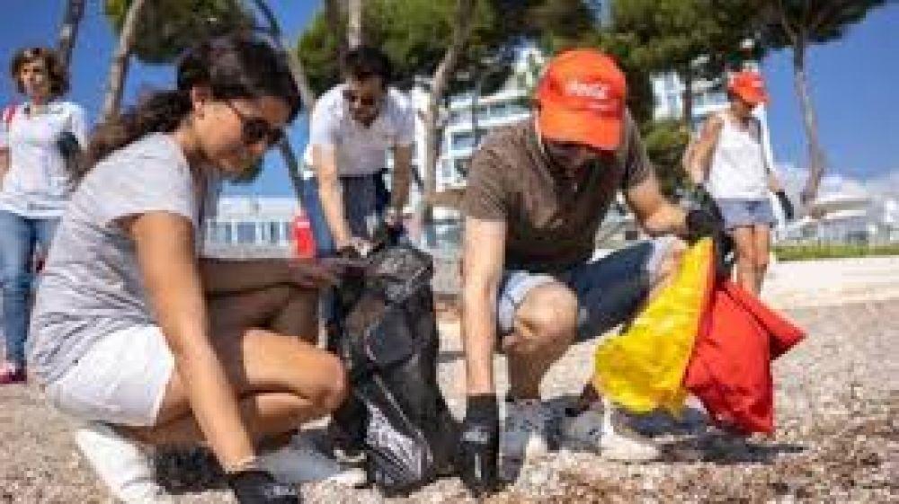 Coca-Cola recoge más de tres toneladas de residuos en 13,2 kilómetros de litoral en Baleares durante 2019