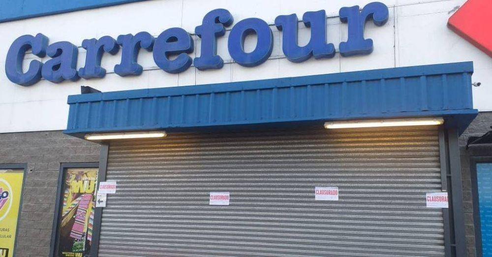 Clausuraron dos sucursales de Carrefour en Ituzaingó por comercializar productos no esenciales