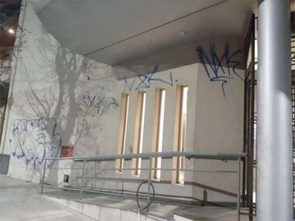Vandalismo en la sede de OSECAC de Avellaneda