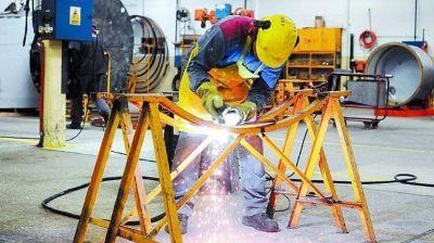 La industria cayó 26,4% en mayo pero marcó fuerte avance respecto de abril