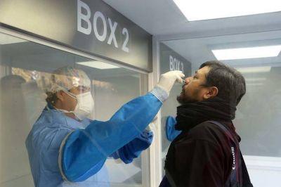 Investigadores del Conicet probarán un spray nasal que podría detener el virus