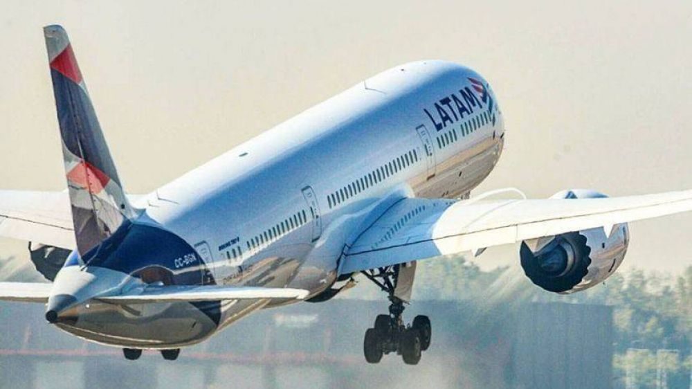 Latam Argentina confirmó que se va del país y pretende pagar un cuarto de las indemnizaciones