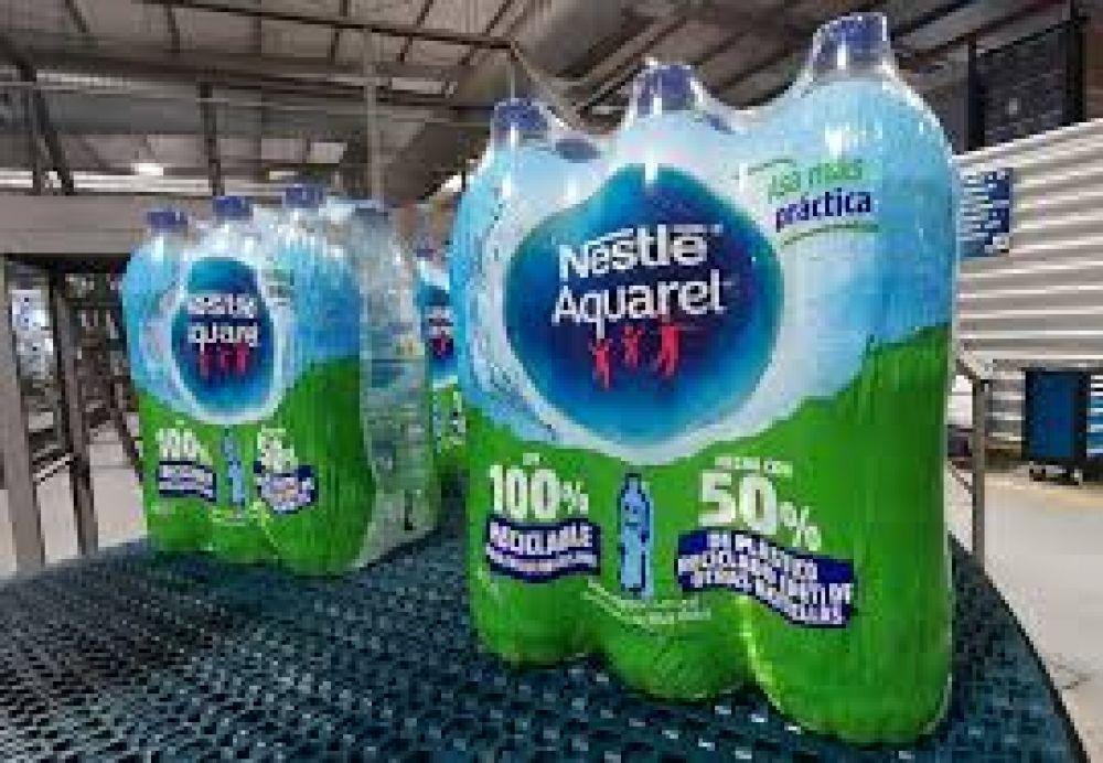 Nestlé lanza sus botellas 100% reciclables que contienen un 50% de plástico ya reciclado