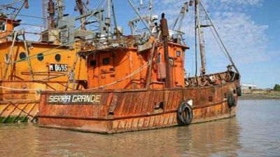 Obreros marítimos locales denuncian que empresarios buscan eliminar los convenios colectivos de trabajo