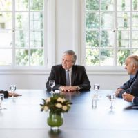 Alberto copia el modelo Néstor y avanza en la relación directa con intendentes