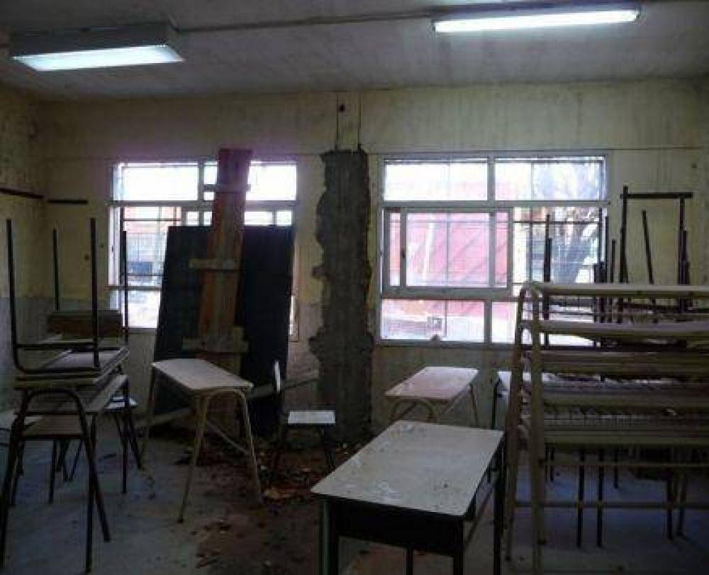Obras paralizadas: Una de las aulas de la Escuela Media Nº 22