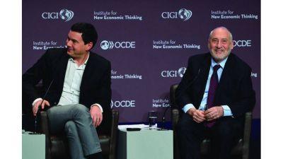Deuda: Stiglitz, Piketty y decenas de académicos respaldaron a Argentina