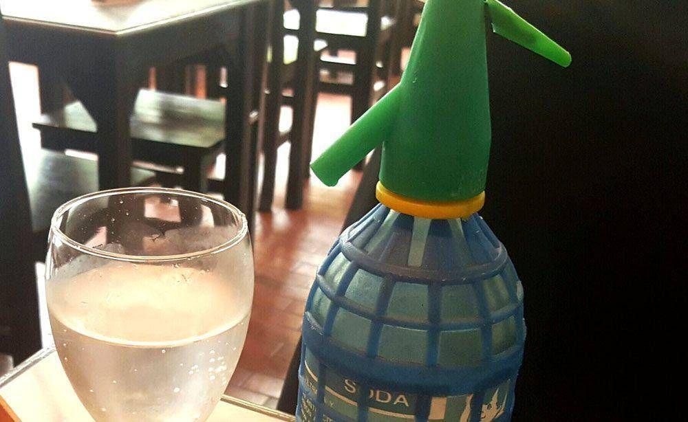 Vieja y querida soda