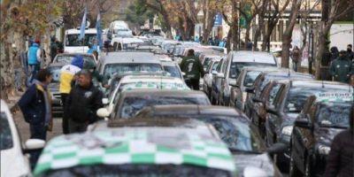 Multitudinaria caravana de los trabajadores de Vicentín en apoyo a la intervención: «La única solución es la estatización»