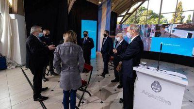 Alberto Fernández dijo a los empresarios que podría flexibilizarse el cepo cambiario luego del acuerdo por la deuda
