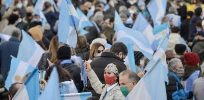 Banderazo del 9 de Julio: un informe que encargó el Gobierno vincula al macrismo con las marchas