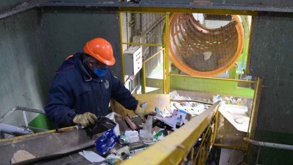 El funcionamiento de la ecoplanta de Cerri y el objetivo de generar más fuentes de trabajo