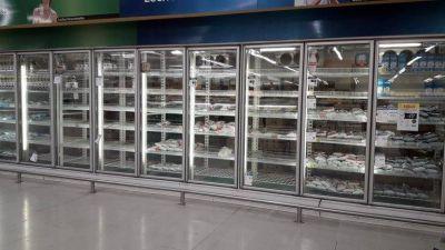 Gremios de la industria láctea realizan hoy un paro y empresas alertan por falta de productos en las góndolas de supermercados