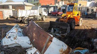Puerto Rawson: limpian basura