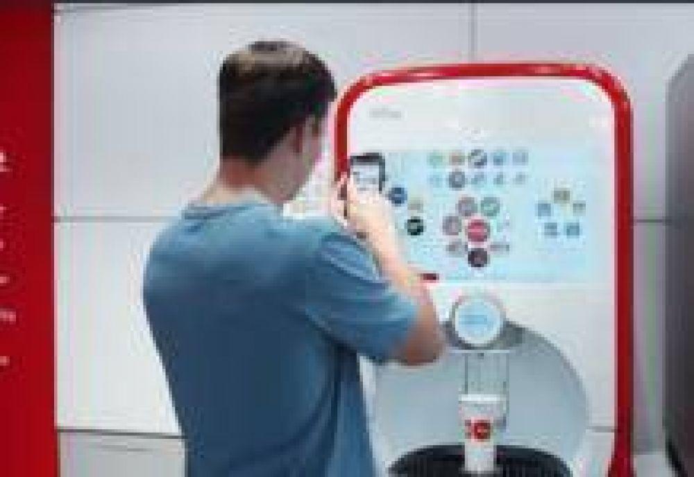 Coca-Cola crea una máquina de refill que se controla desde tu smartphone