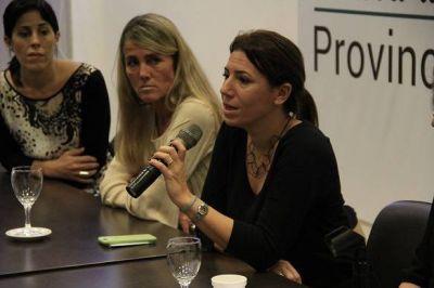 """Senadora Daniela Reich presentó dos proyectos de ley """"para aliviar a los comercios barriales no esenciales"""""""
