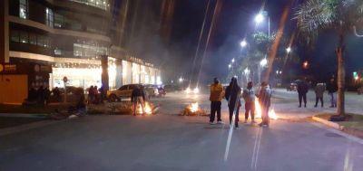 Ezeiza: vecinos sufren los cortes de luz y ya no saben a quién reclamar
