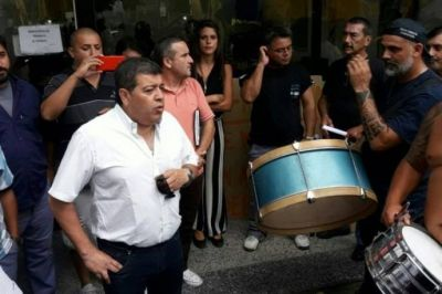 """Desde la UOM denuncian a un empresario de La Matanza por """"truchar"""" permisos"""
