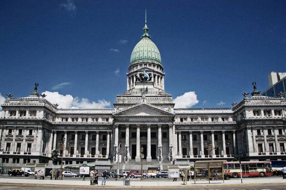 Congreso: Juntos por el Cambio pide diálogo, pero volvió a retirarse del debate en comisión
