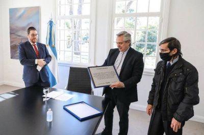 Alberto Fernández recibió al presidente de la AMIA, Ariel Eichbaum